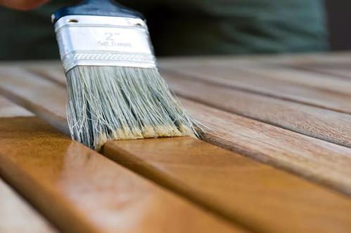 水性木器清漆的优点是什么?在选购时要注意什么?
